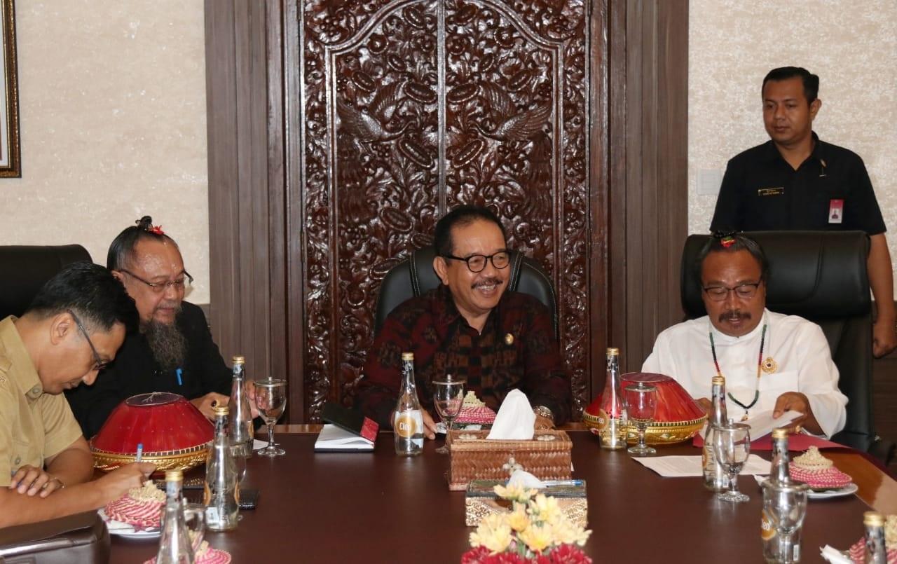 RAPAT KOORDINASI - Rapat koordinasi Karya Pemelepeh lan Pemahayu Jagat, Senin (17/2/2020) Pemprov Bali meminta pertimbangan dari para tokoh agama di Bali.
