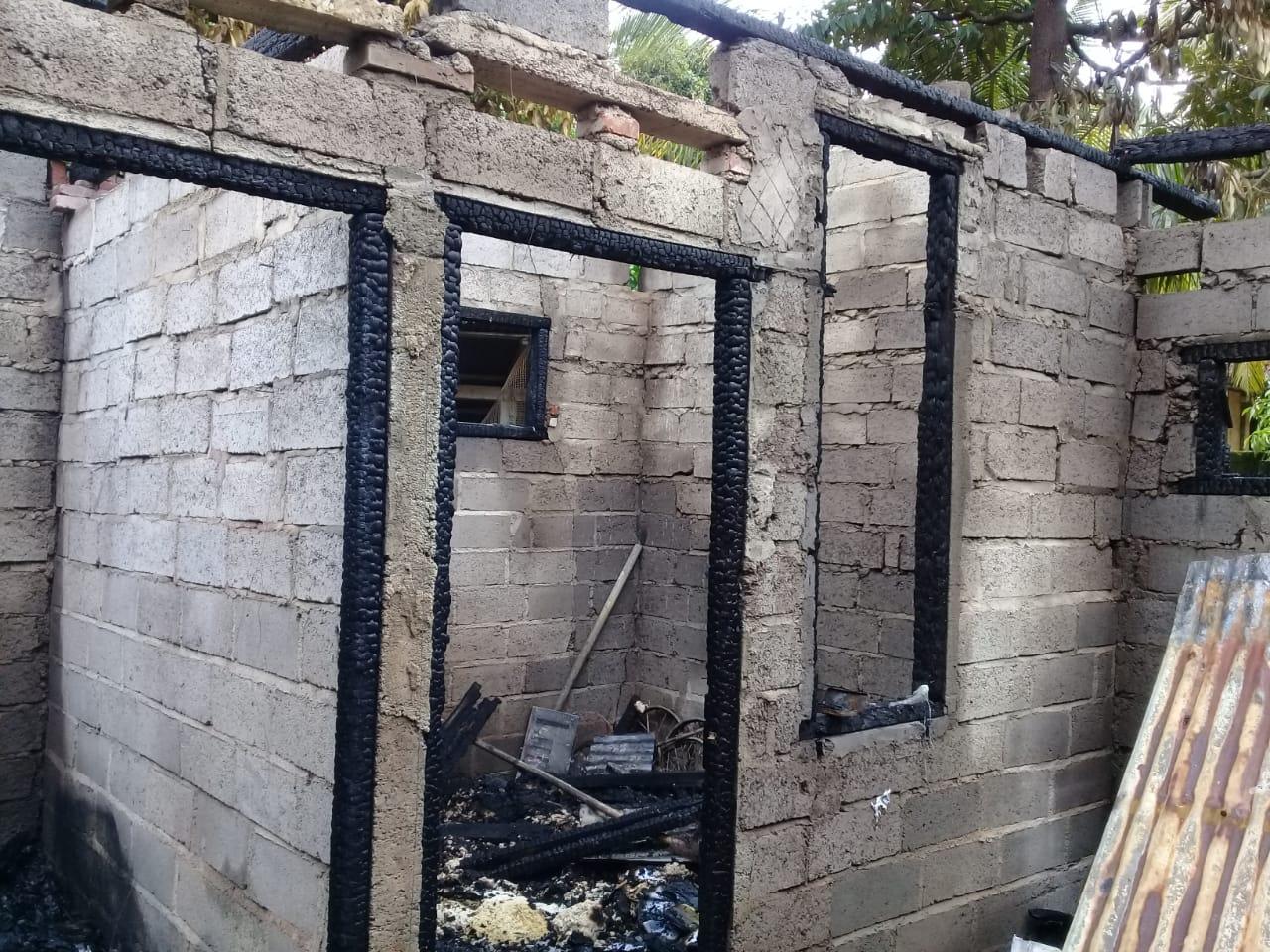 KONDISI rumah di Kelurahan Paket Agung yang ludes terbakar pada Rabu (19/2/2020).