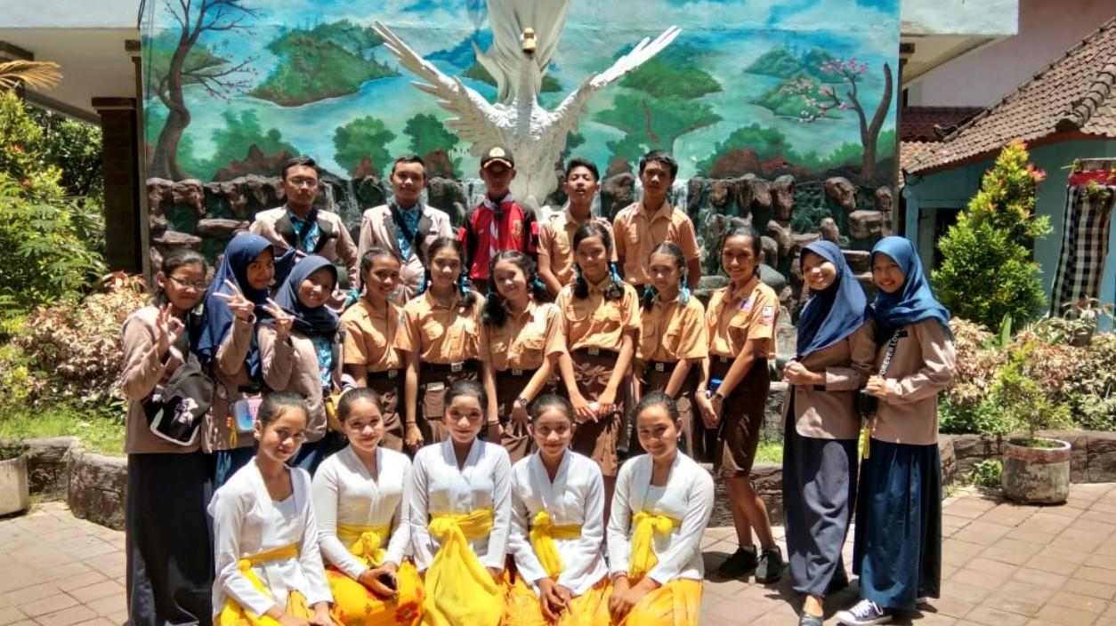 Studi BandingSMPN 4 Denpasar