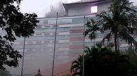 POTONGAN video Hotel Grand Inna Bali Beach yang tampak terbakar di bagian atas. Foto/ist