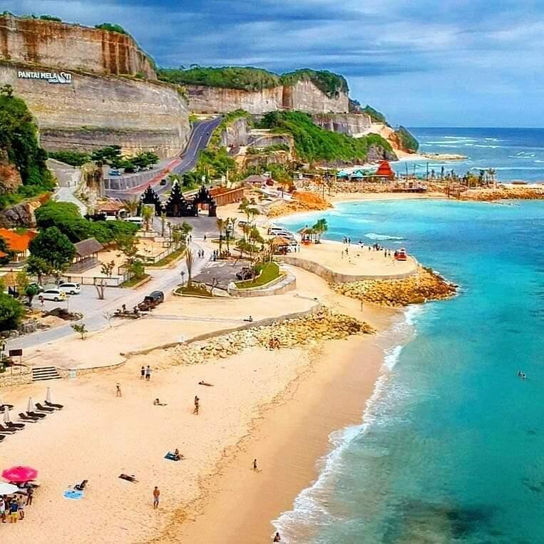 MULAI 23 Maret 2020, kunjungan ke DTW Pantai Melasti Ungasan ditutup untuk sementara waktu, hingga 31 Maret 2020. Foto: istimewa