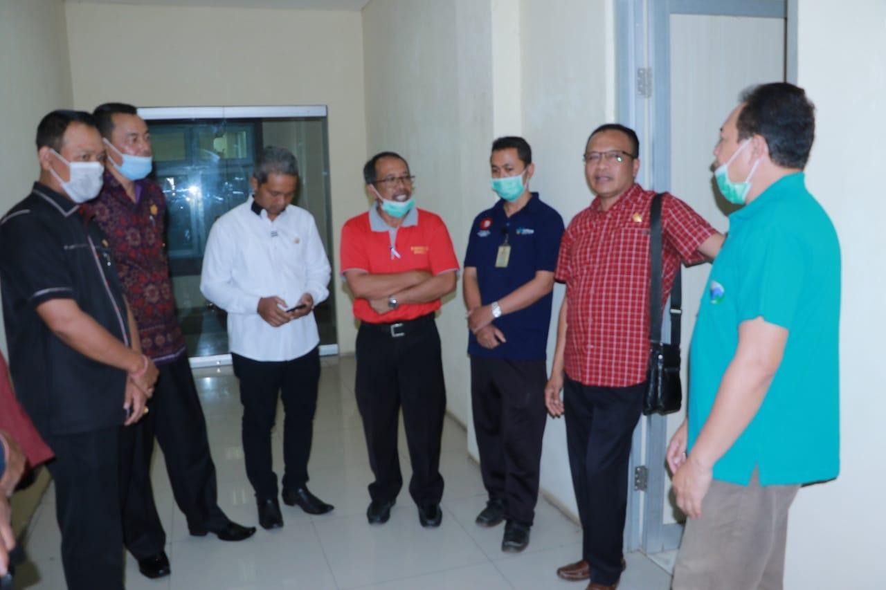 KOMISI I DPRD Bangli melakukan sidak ke RSUD Bangli, Jumat (20/3/2020), terkait kesiapan pelayanan RSUD Bangli menghadapi Covid-19. Foto: gia