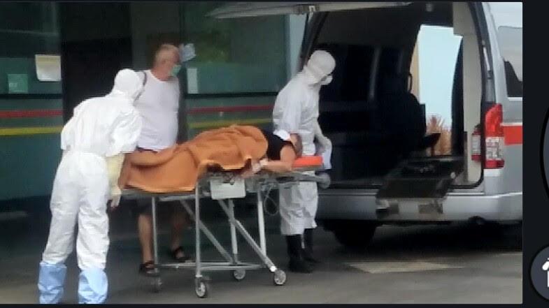 SEORANG pasien asal Rusia mendapatkan penanganan khusus di RSUD Sanjiwani Gianyar. Foto: Istimewa