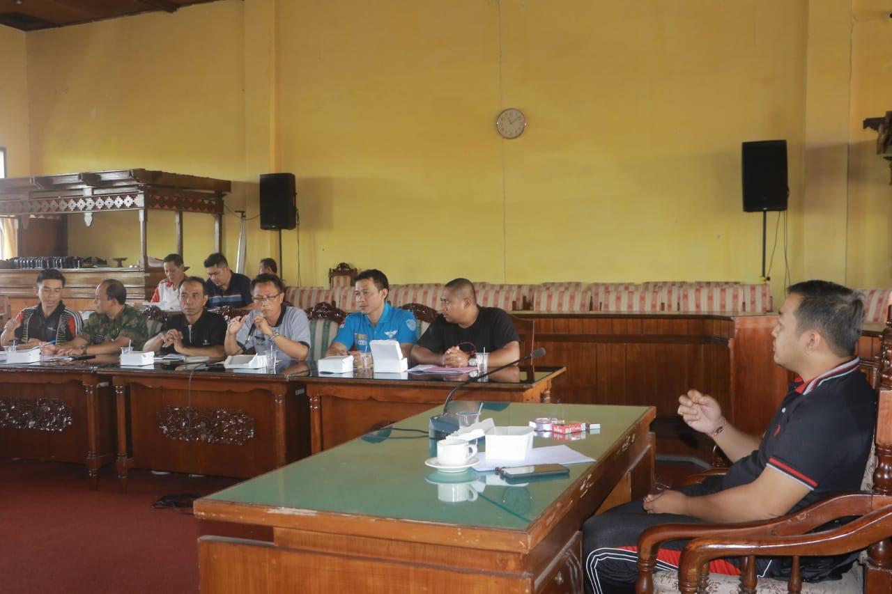 RAPAT kerja DPRD Bangli dengan Dishub dipimpin Ketua Komisi I Satria Yudha. Foto: aan girinatha