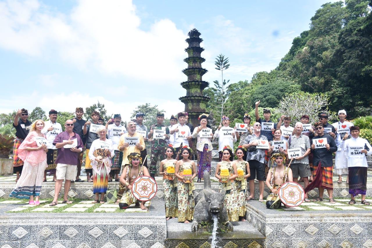 """KEGIATAN free tour dan """"Karangasem is Safe"""" di Tirtagangga oleh Pemkab Karangasem, Minggu (8/3/2020). Foto: nengah adi suda dharma"""