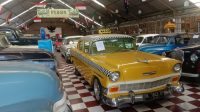 KOLEKSI mobil kuno di Kebon Vintage Cars, Jalan Tegal Harum 13, Biaung, Denpasar Timur. Foto: istimewa