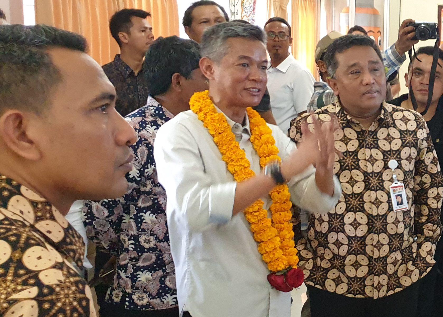 I Dewa Agung Lidartawan (kanan) saat peresmian RPP di KPU Bali, beberapa waktu lalu. Foto: gus hendra