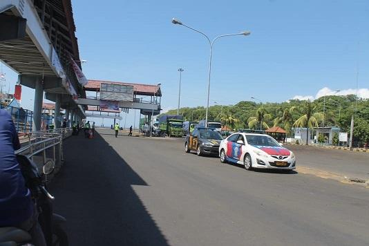 SUASANA di Pelabuhan Padangbai, Manggis, Karangasem. Otoritas Pelabuhan Padangbai semakin selektif menerima penumpang yang hendak keluar dari Bali menuju Lombok, Nusa Tenggara Barat (NTB). Foto: nad
