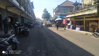 KONDISI Pasar Kidul pada Kamis (16/4/2020) tampak lenggang dari hari biasanya. Padahal pusat pasar di Bangli ini masih buka setiap hari. Foto: gia