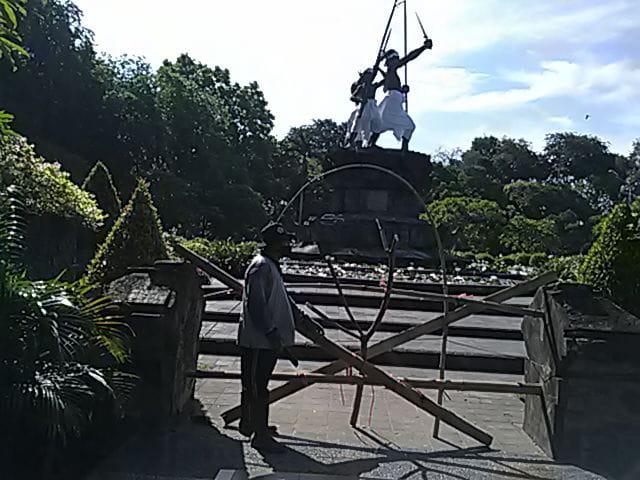 FASILITAS umum di Kota Denpasar mulai, Jumat (17/4/2020) ditutup sebagai upaya meminimalisir keramaian guna memutus rantai virus Corona. Foto: ist