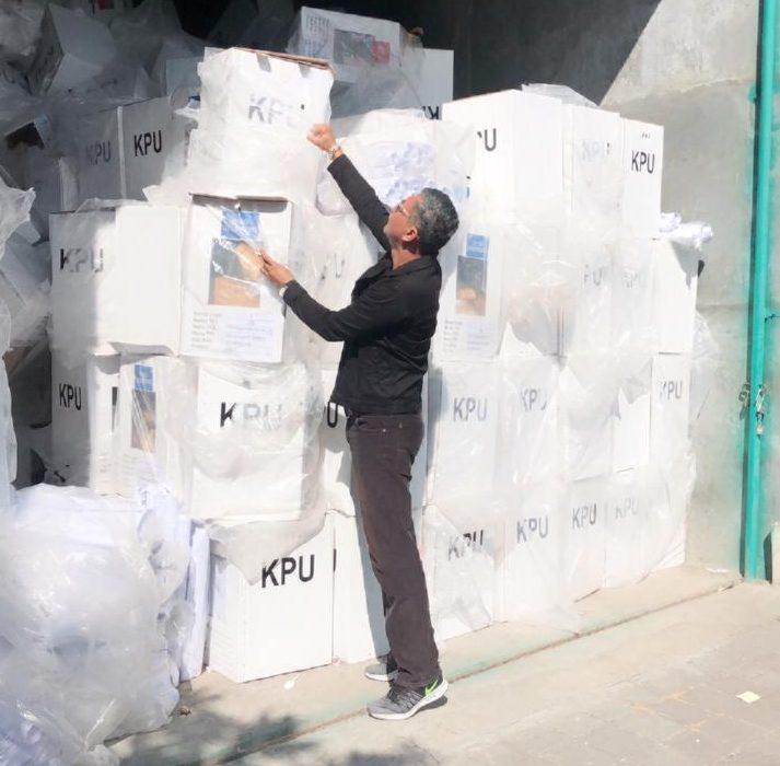 BEGINI kondisi surat suara sisa Pemilu 2019 di gudang yang disewa KPU Denpasar. Jika tidak ada segera pemenang lelang, surat suara terancam digusur karena sewa gudang jatuh tempo pada 30 April mendatang. Foto: Ist