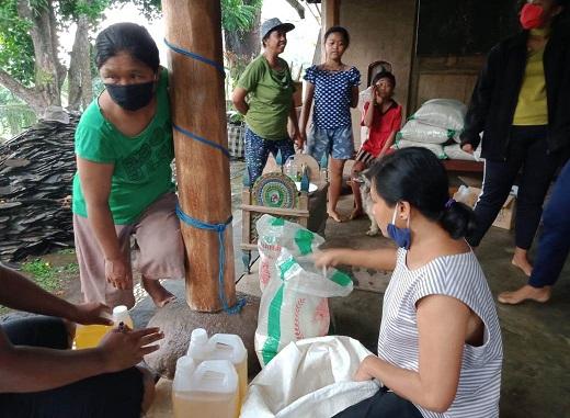 SAMPAH plastik ditukar dengan sembako? Tak percaya? Buktikan dan datang saja ke Banjar Jangkahan, Desa Batuaji, Kecamatan Kerambitan, Tabanan. Foto: gap