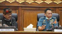 POSBALI/IST Wagub Cok Ace dengan Staf Ahli Menkopolhukam Bidang Kedaulatan Wilayah dan Kemaritiman Laksamana Madya Yusup