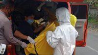 TRC BPBD Badung saat mengevakuasi mayat korban dan membawanya ke RSD Mangusada Badung. Foto: ist