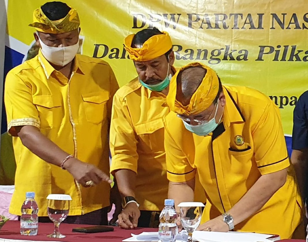MADE Dauh Wijana (kiri) saat pembentukan koalisi bersama Nasdem di Pilkada 2020, beberapa waktu lalu. Foto: gus hendra