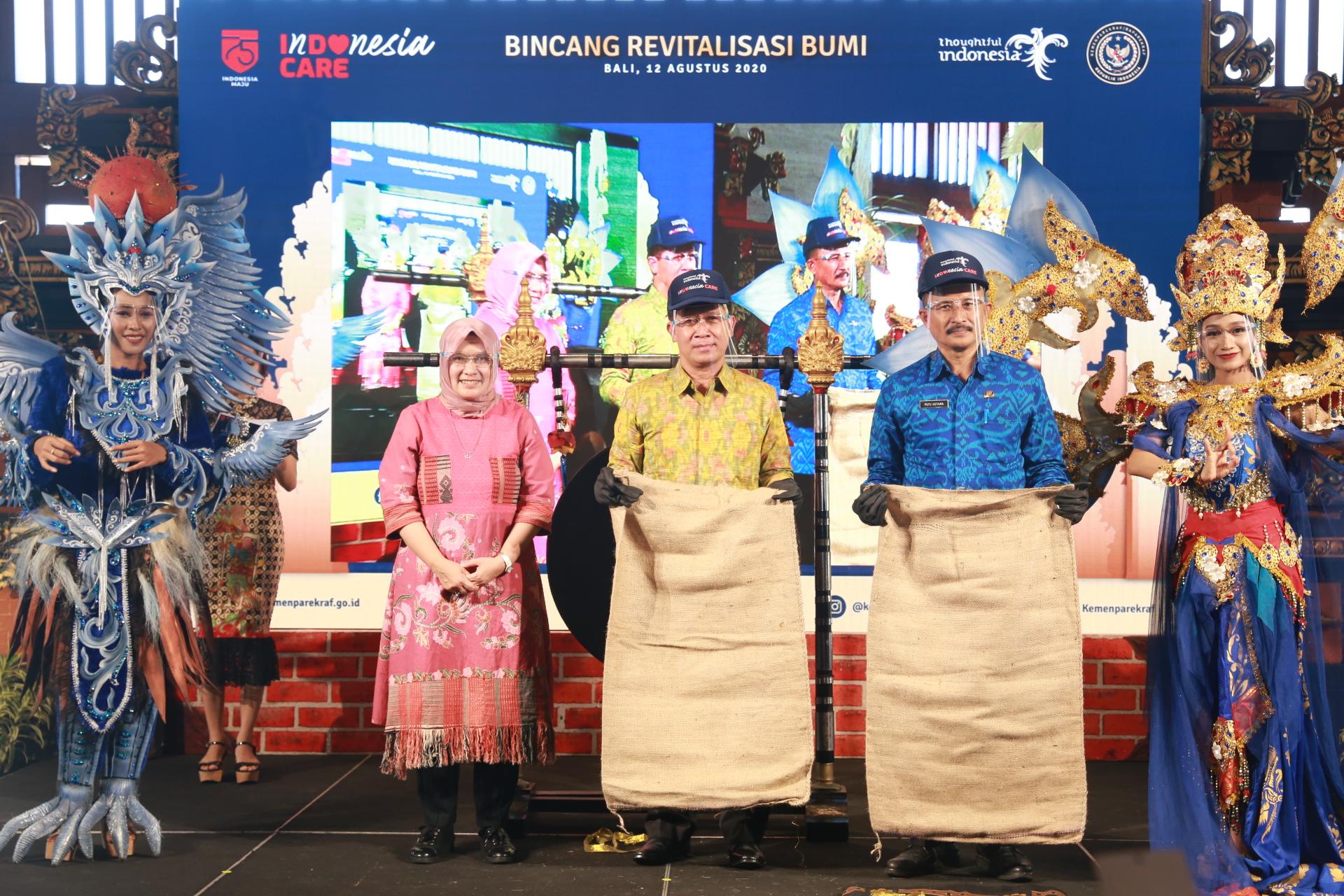 Foto: BUMI BUPATI Suwirta menghadiri Bincang-Bincang Revitalisasi Bumi di Lobby Lounge Conrad Bali Hotel Tanjung Benoa, Badung, Rabu (12/8). Foto: ist