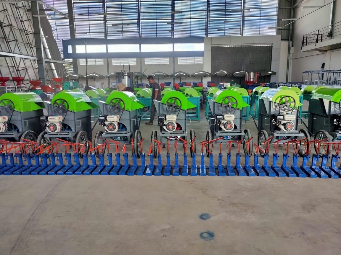 FOTO: MESIN NTB RATUSAN mesin yang dihasilkan UMKM NTB yang dipamerkan usai upacara bendera HUT ke-75 RI, Senin (17/8). Foto: ist