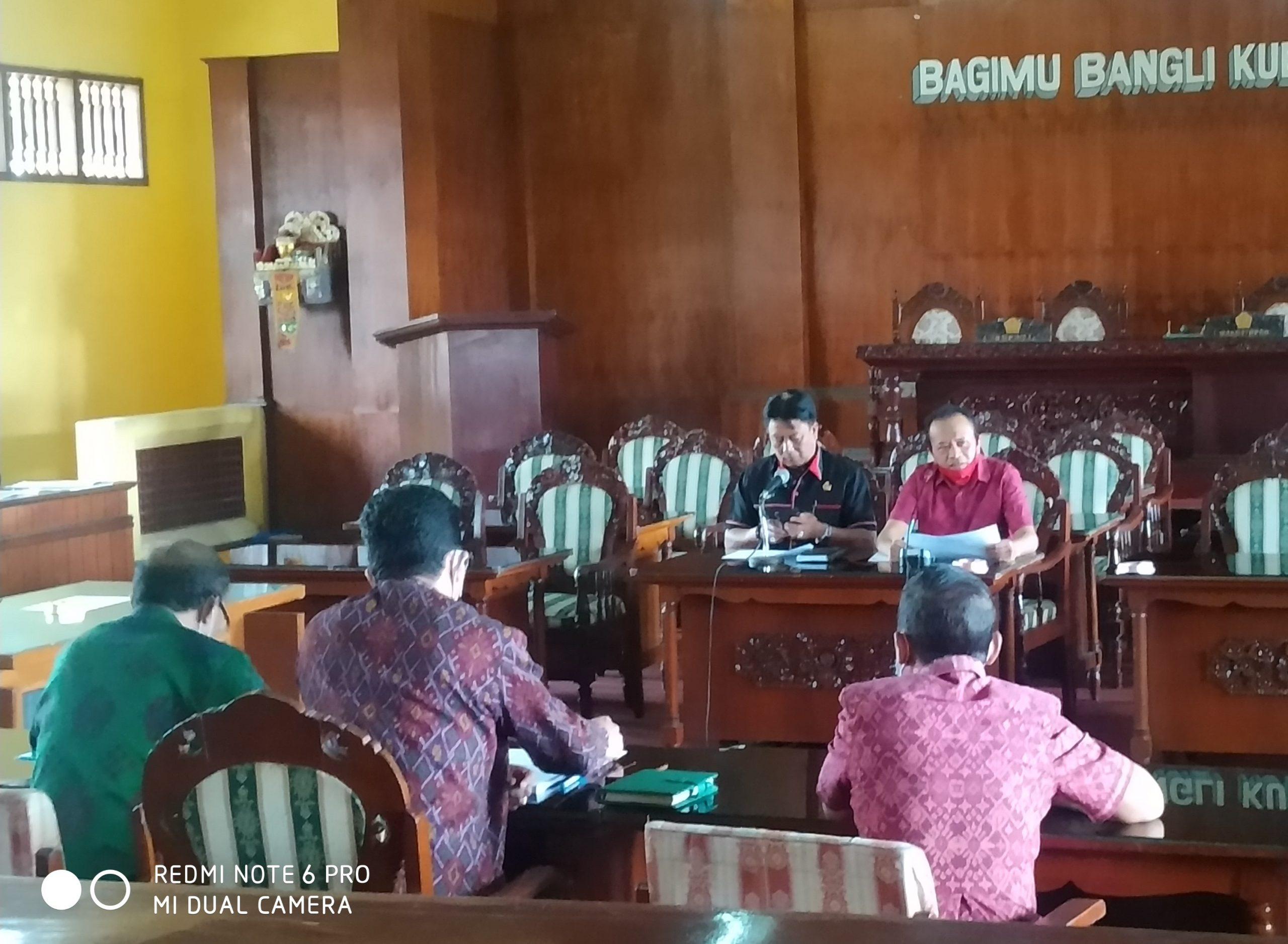 Foto: RAPAT BANGLI RAPAT kerja Komisi III DPRD Bangli dengan Badan Keuangan Pendapatan dan Aset Daerah (BKPAD), Selasa (4/8). Foto: gia