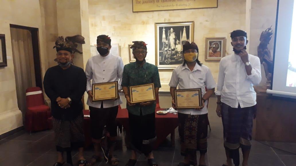 """PEMBICARARembug Sastra bertajuk """"Cermin Representasi Literasi Ubud"""" yang digelar Ubud Royal Weekend dan Puri Anyar Heritage di Museum Puri Lukisan Ubud, Sabtu (8/7). Foto: eri"""
