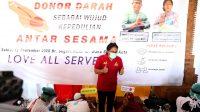 BUPATI Giri Prasta menghadiri acara donor darah massal serangkaian HUT ke-42 PDDI Provinsi Bali di Banjar Segara Kuta. Foto: ist