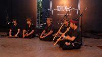 PERTUNJUKAN musik oleh Sanggar Palawara di gedung DNA, Lumintang, Denpasar pada Sabtu malam (12/9). Foto: ist