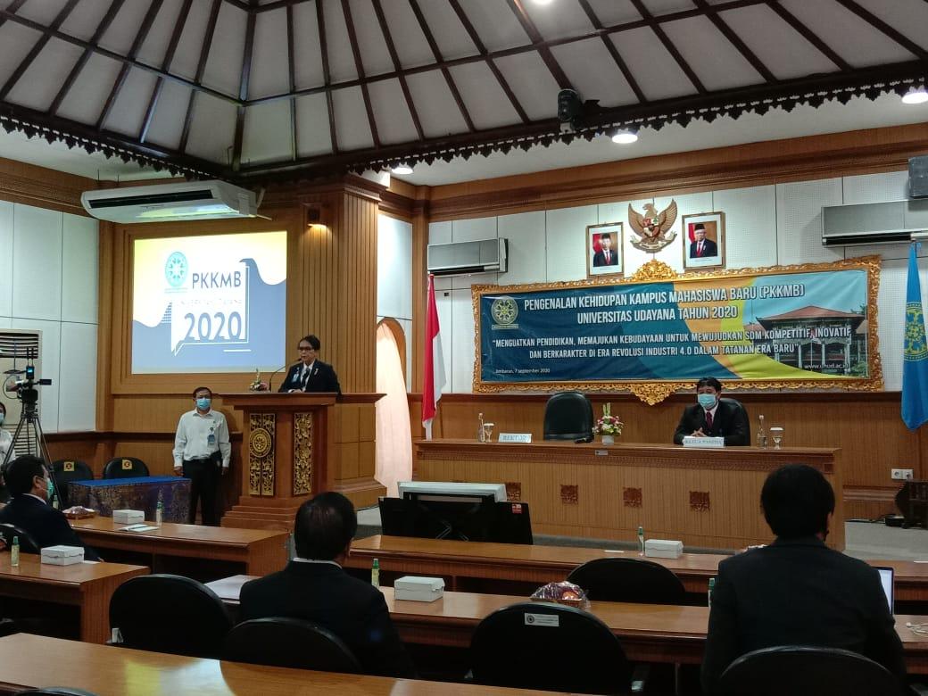 Pos bali/rap Kegiatan PKKMB Tahun 2020 yang berlangsung secara daring dibuka oleh Rektor Unud, Prof. Dr. dr. A.A. Raka Sudewi, Sp.S.(K)., Senin (7/9) di kampus Unud Bukit Jimbaran.