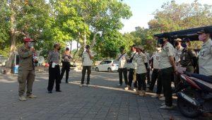 KABID Trantib, Kusuma Edi, memberikan pengarahan kepada personelnya. Foto: alt