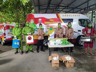 PASLON Wali Kota Mataram Hj. Putu Selly Andayani saat meluncurkan ambulans Gudek Peduli Pendidikan dan Kesehatan Menuju Mataram Zona Hijau. Foto: rul