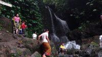 AIR Terjun Cebure di Desa Adat Rendang, Karangasem, begitu eksotis dan alami. Foto: ist