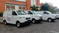 PEMPROV Bali menyerahkan tiga unit mobil oprasional kesehatan hewan untuk kabupaten Buleleng, Gianyar, dan Jembrana. Foto: alt