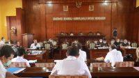 RAPAT kerja TAPD dan Banggar DPRD Bangli membahas APBD Perubahan tahun 2020, Jumat (18/9) lalu. Foto: gia