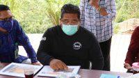 Bupati saat melakukan pembahasan rencana renovasi RSUD Buleleng dengan pihak konsultan perencana. Pos Bali/rik