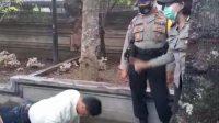 WARGA yang tidak memakai masker di hukum push up. Foto: adi