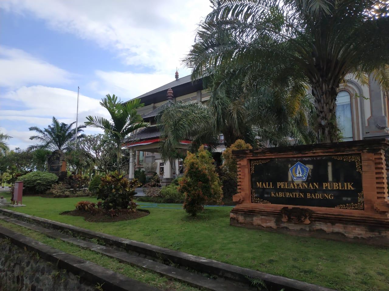 MAL Pelayanan Publik Badung tutup sementara akibat salah seorang pegawai terkonfirmasi virus Corana (Covid-19). Foto: ist