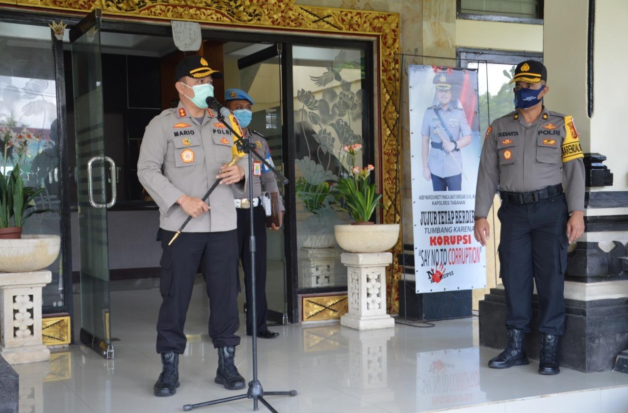 KAPOLRES Tabanan AKBP Mariochristy Panca Sakti Siregar, Rabu (30/9/2020), menekankan kembali kepada anggota jajaran Polres Tabanan, agar senantiasa menjaga netralitas Polri dalam pengamanan Pilkada 2020.