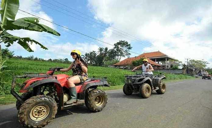 AKTIVITAS naik ATV di Desa Wisata Bongkasa Putri. Foto: ist