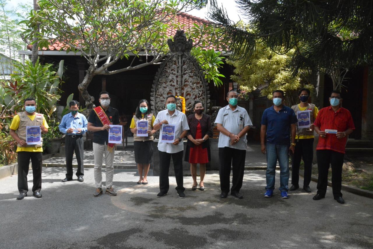 PERWAKILAN Duta Rumah Belajar Denpasar bersama Wali Kota Rai Mantra di kediamannya, Jumat (2/10/2020). Foto: ist
