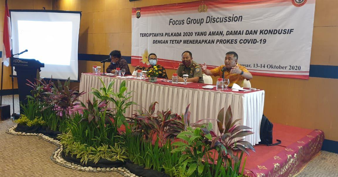 SUASANA diskusi kelompok terarah yang diadakan Dit. Intelkam Polda Bali dengan mengundang pengampu kepentingan Pilkada 2020, di satu hotel di Denpasar, Selasa (13/10/2020). Foto: gus hendra