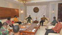 JAJARAN MW KAHMI Bali saat beraudiensi dengan Pangdam IX UdayanaMayjen TNI Kurnia Dewantara di Denpasar, Selasa (6/10/2020). Foto: ist