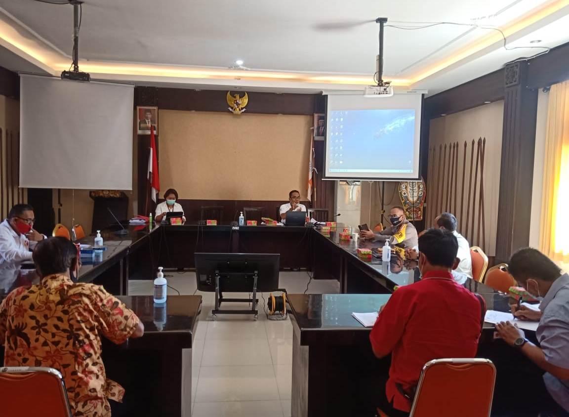 KPU Tabanan mengundang sejumlah instansi terkait, dalam rangka koordinasi pelaksanaan debat publik Pilkada Tabanan 2020, Jumat (2/10/2020). Foto: gap