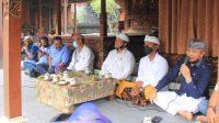 ACARA tatap muka Paket Panji-Budi dengan masyarakat di Luwus, Baturiti, Sabtu (17/10/2020). Paket ini diklaim akan mendapat 58 persen suara di Pilkada Tabanan. Foto: gagah
