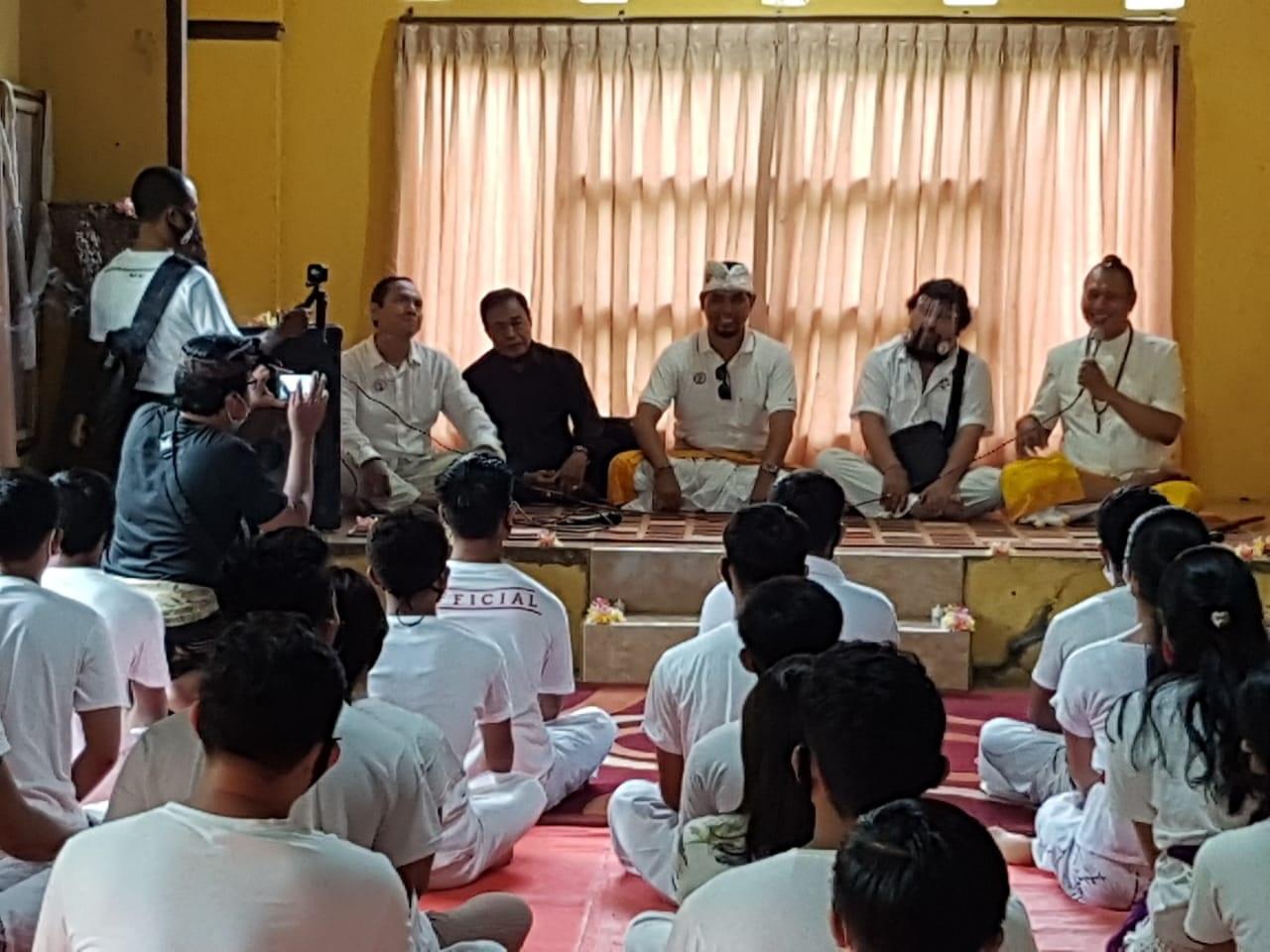 ASHRAM Gandhi Puri bekerjasama dengan DPW PKHI Bali dan IHC Bali menggelar hipno motivation di Ashram Gandhi Puri Sevagram Klungkung. Foto: ist