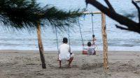 PANTAI Kuranji Dalang, salah satu daerah wisata pantai yang dipersiapkan untuk menjadi daerah tujuan wisata di Lobar. Foto: ade