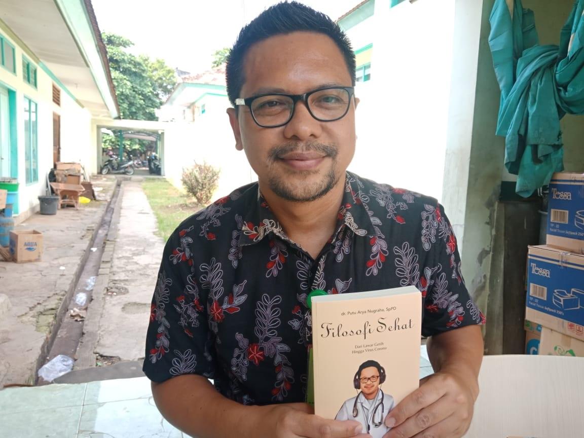 DIRUT RSUD Buleleng, dr. Putu Arya Nugraha, SpPD. Foto: ist