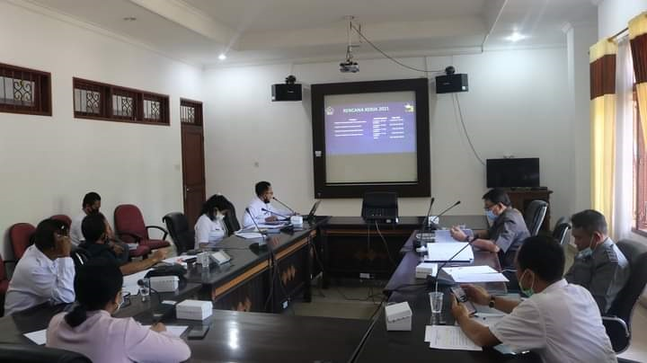 RDP Komisi III DPRD Buleleng dengan BPKPD yang membahas persoalan pajak, Rabu (14/10/2020). Foto: ist