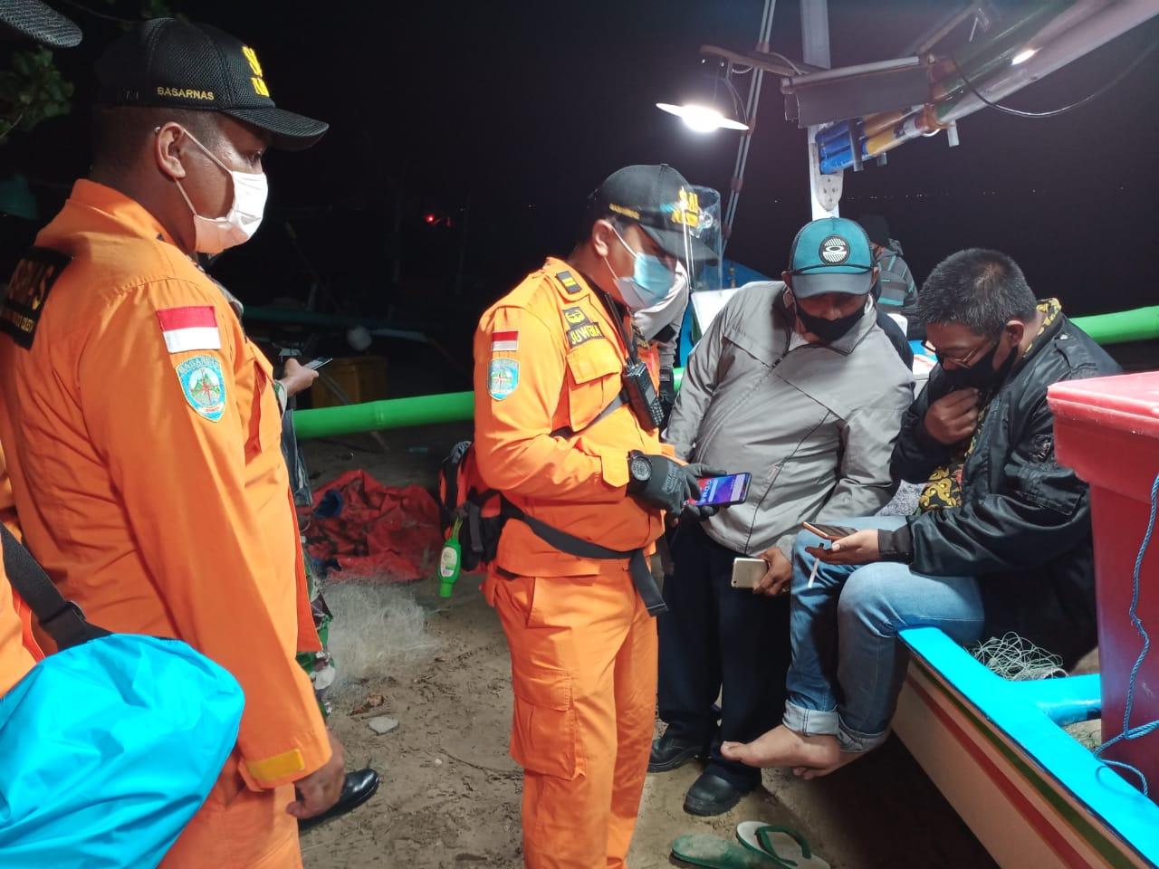 Foto: UPAYA pencarian yang dilakukan oleh Basarnas Bali atas hilangnya dua orang nelayan Kelan. foto: ist