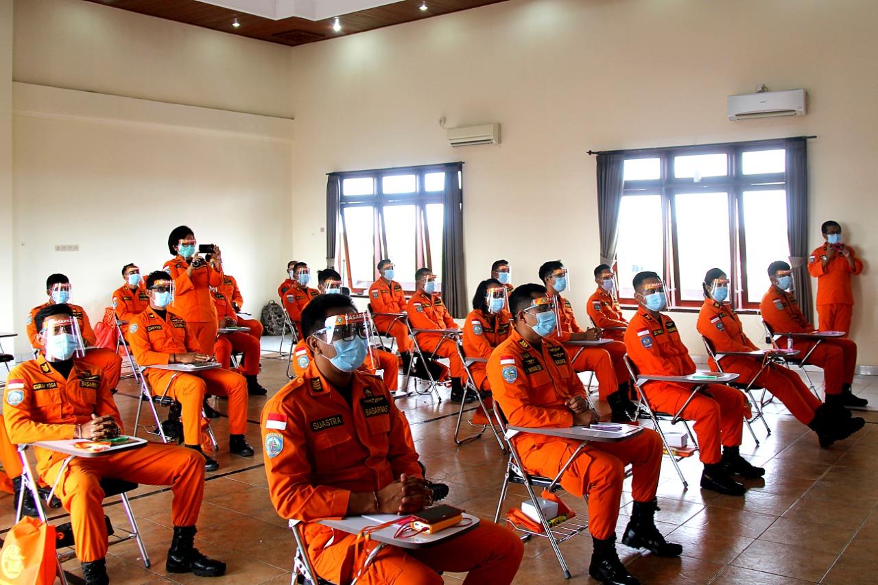 PEMBUKAAN latihan SAR daerah Bali tahun 2020 yang dilasanakan secara virtual di kantor Pencarian dan Pertolongan Denpasar (Basarnas Bali) di Jimbaran. Foto:ist