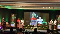 DANA-Dipa saat menjawab pertanyaan panelis dalam dekat kandidat Pilkada Karangasem 2020 di Hotel Grand Bali Beach Sanur, Denpasar, sabtu (24/10/2020). Foto: Ist