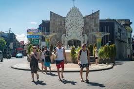 AUSTRALIA yang menjadi andalan utama pasar pariwisata Bali baru akan membolehkan warganya ke luar negeri sekitar awal tahun 2022. Foto: net