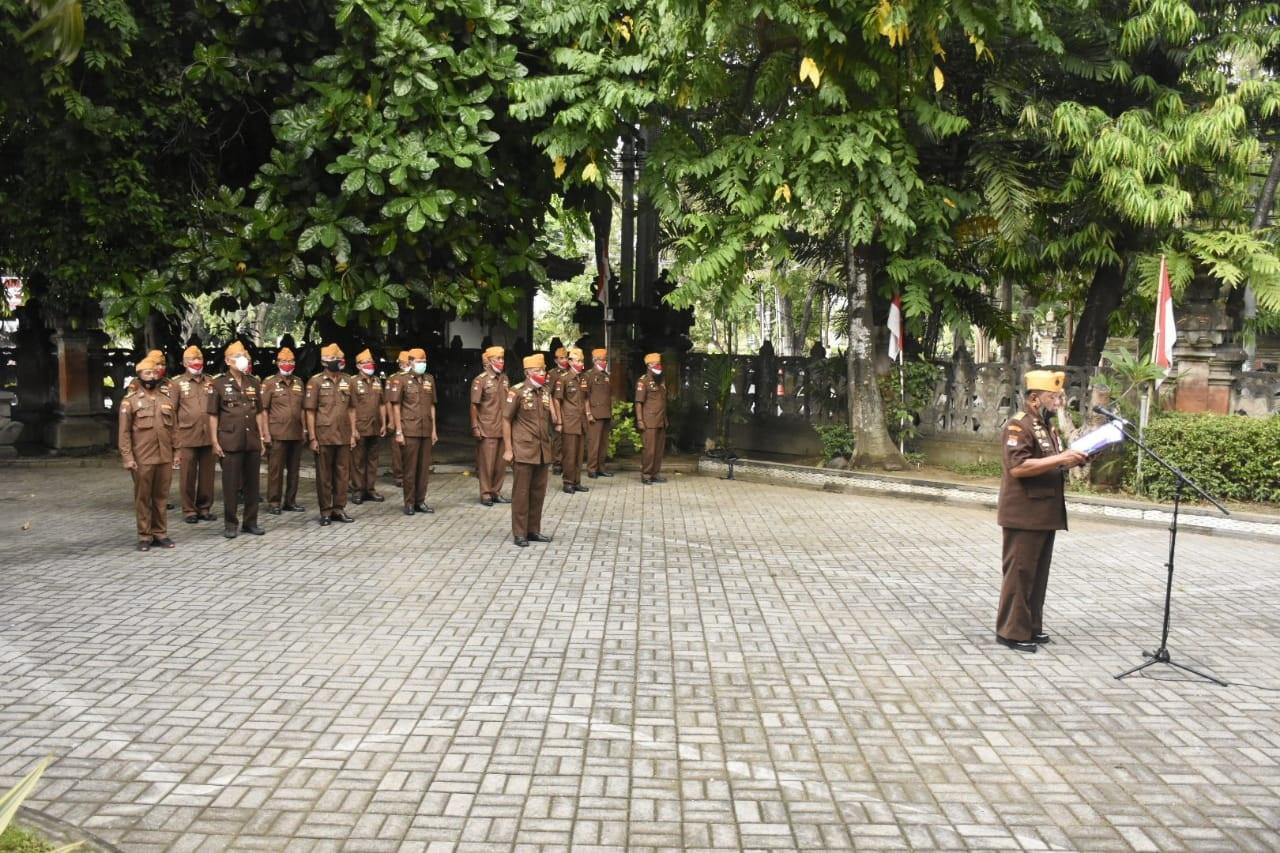APEL peringatan Hari Pahlawan Nasional pada Selasa (10/11/2020) di halaman Gedung Legiun Veteran RI Denpasar. Foto: ist